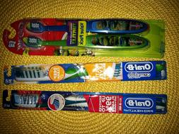 2 Colgate Kids Ninja Turtle, 2 Oral-B Deep Clean/Prohealth T