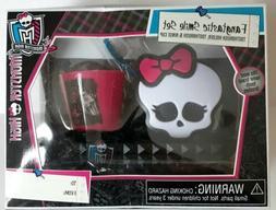 Monster High Girls Fangtastic Smile Set Toothbrush & Holder