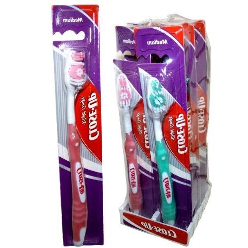 Close-up Right Angle Toothbrush Medium